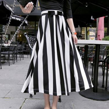Customize Summer Women Maxi Black White Vertical Stripe Chiffon .