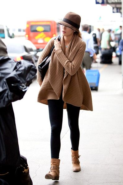 Blake Lively Photos Photos: Blake Lively at LAX | Fashion, Blake .