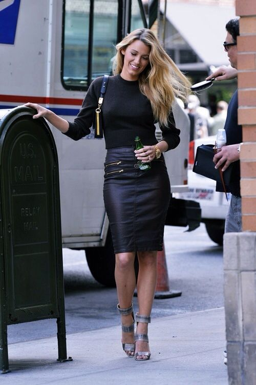 Black and white…. again | Fashion, Blake lively street style .
