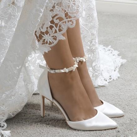 Winter Bridal Sheos| Arabia Weddin