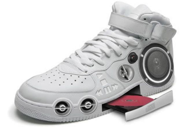 Cool speaker shoes! (With images) | Funny shoes, Crazy shoes, Cool .