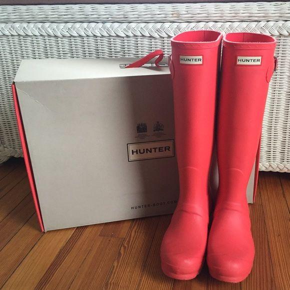 Hunter Boots Original Stripe in Bright Coral | Hunter boots, Boots .