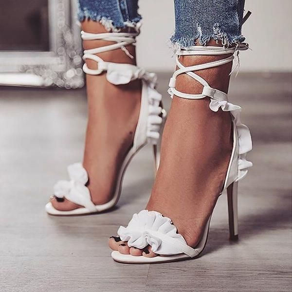 White sandals outfit summer. White heels shoes pumps. Ruffle high .