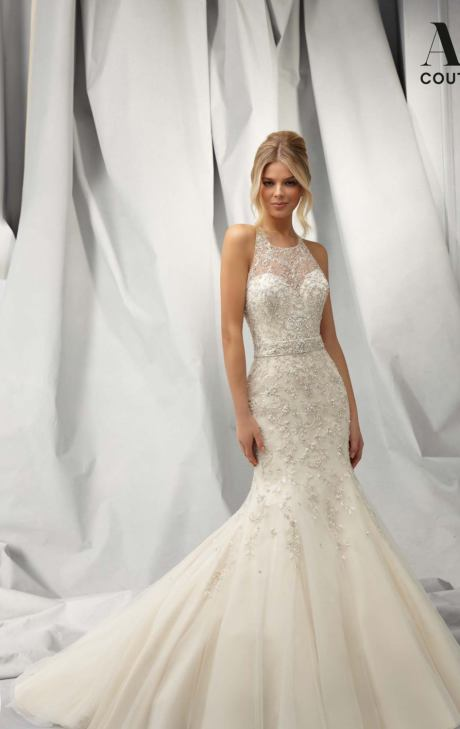 18 Elegant Wedding Dresses For Modern Brid
