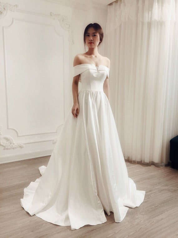 Aline Elegant Wedding Dress/ Royal Wedding/ Off The Shoulder/ | Et