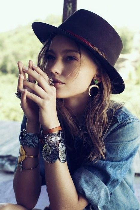 17 Looks with Hats Glamsugar.com Cute hat for woman … | Hats for .