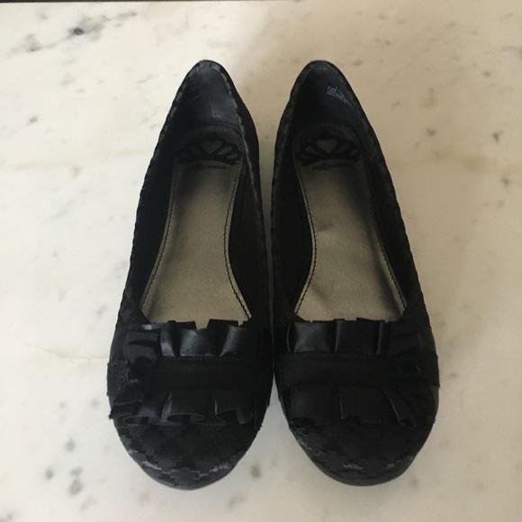 Fergalicious Shoes | Black Alana Flats | Poshma