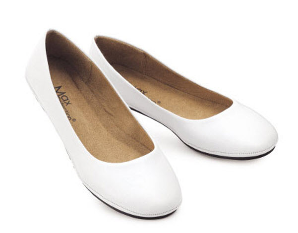 White flat shoes for women – ThatsTheStuff.n