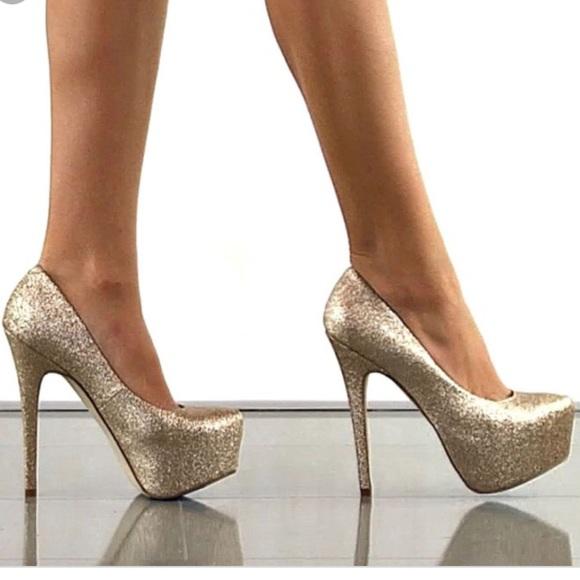 Steve Madden Shoes | Dejavu Gold Platform Heels | Poshma