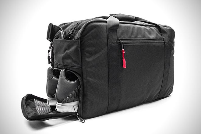 The 25 Best Gym Bags To Crush Your Workouts | Mens gym bag, Mens .