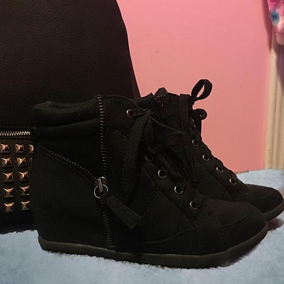 Justice Shoes | Girls Black High Heel Sneakers Sz 2 | Poshma