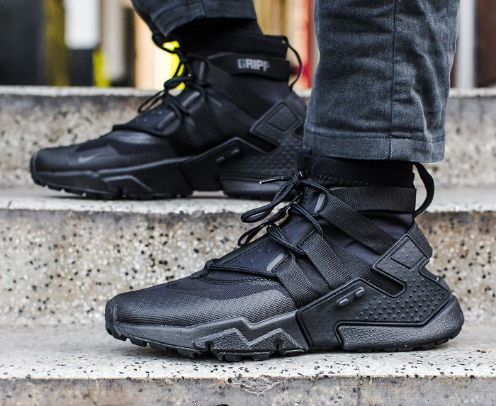 Air huarache gripp 'black/black-black-white' in 2020 | Black and .
