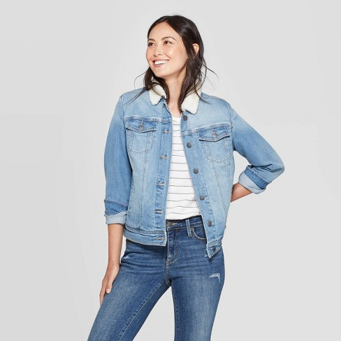 Women's Denim With Sherpa Jacket - Universal Thread™ Light Wash .