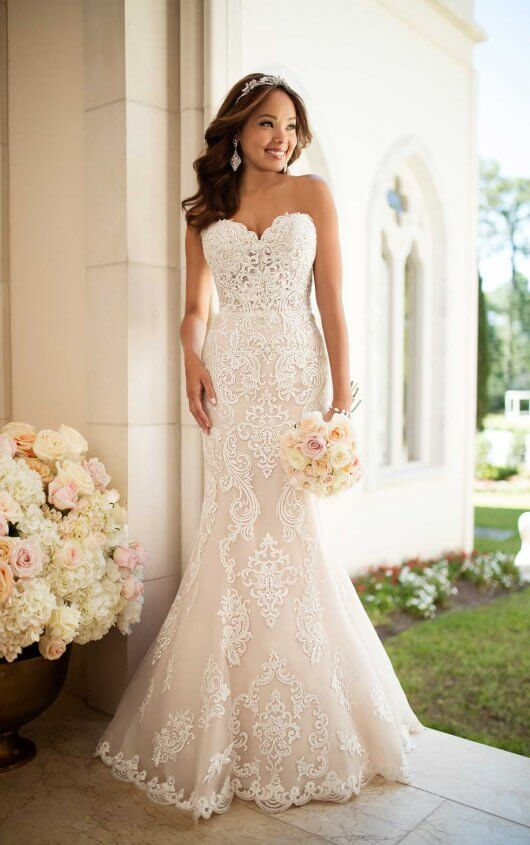 Elegant Lace Wedding Dress | Stella York Wedding Gow
