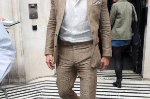 How to Wear a Linen Suit — GQ | Summer suits men, Linen suits for m