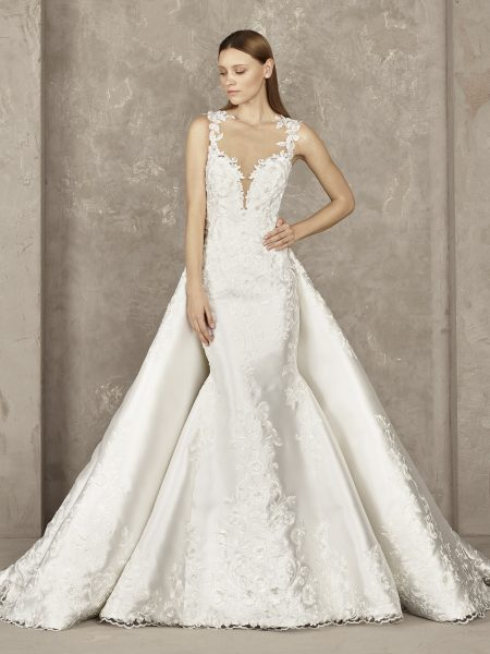 Deep V-neck Lace Bodice Sleeveless Mermaid Wedding Dress .