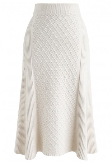 Diamond Shape A-Line Ribbed Knit Midi Skirt in Cream - Retro .