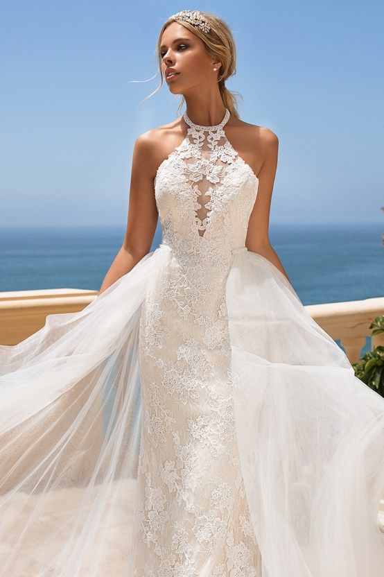 7 Modern Wedding Dress Trends You'll Love | Halter wedding dress .