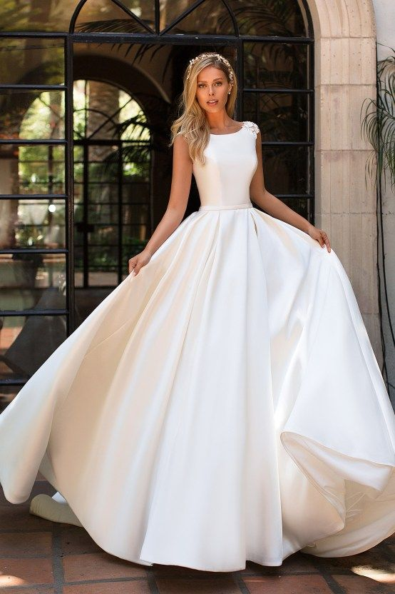 7 Modern Wedding Dress Trends You'll Love | Wedding dress with .