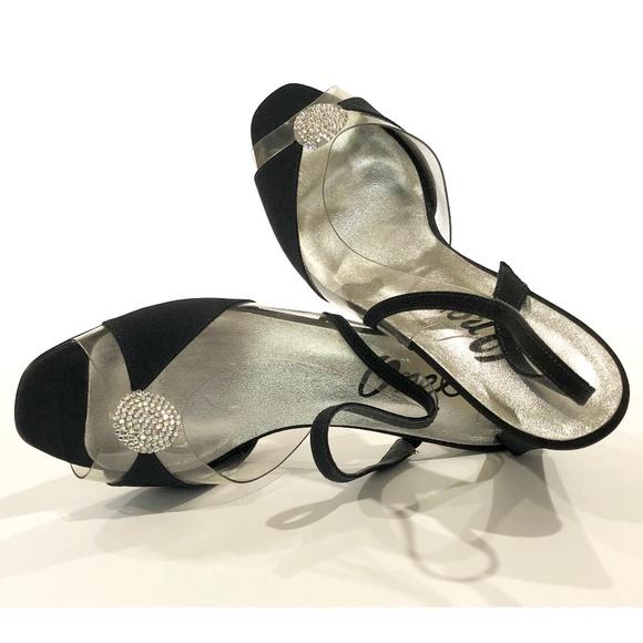 Onex Shoes | Black Evening Size 9m | Poshma