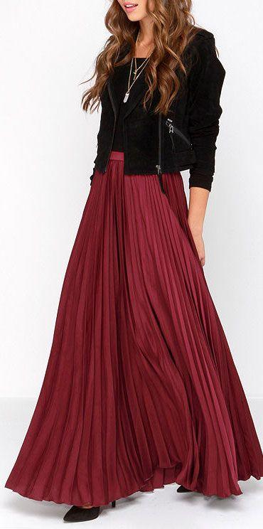 Burgundy pleated maxi skirt | Long skirt outfits, Burgundy maxi .