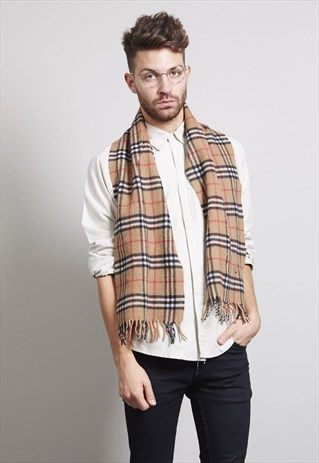 CLASSIC VINTAGE BEIGE VIRGIN WOOL BURBERRY SCARF | Burberry scarf .