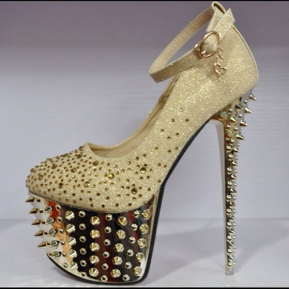 Shoes | Gold Embellished Spiked Platform Heels | Poshma