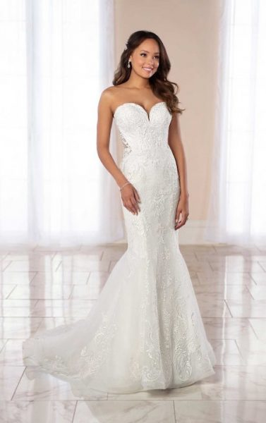 Strapless Sweetheart Neckline Beaded Lace Mermaid Wedding Dress .