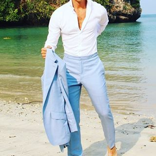 Details @absolutebespoke @tomaslasoargos #skyblue #suit #summer .