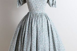 ➳ vintage 1950s dress * blue, gray floral cotton * bow sleeve .