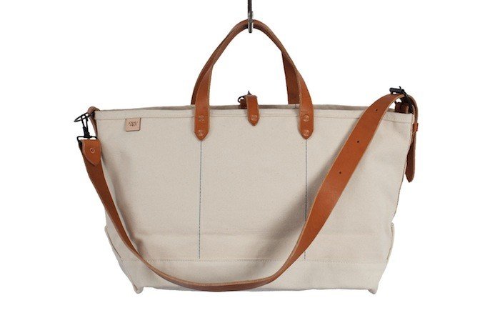 10 Easy Pieces: Canvas Weekend Bags - Gardenis