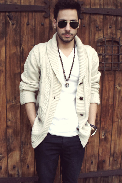 Men's Off White Oversized Forever21 Cardigans, Dark Brown Brogues .