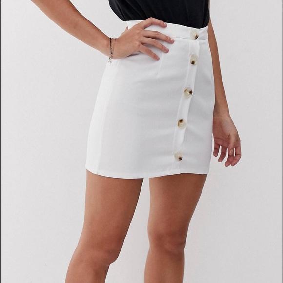 ASOS Skirts | Nwot Parisian White Skirt 4 Tortoise Buttons | Poshma