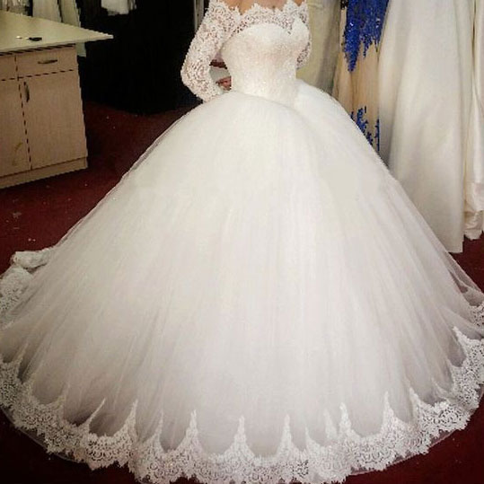 Charming Ball Gown White Wedding Dress with Long Sleeves Lace .