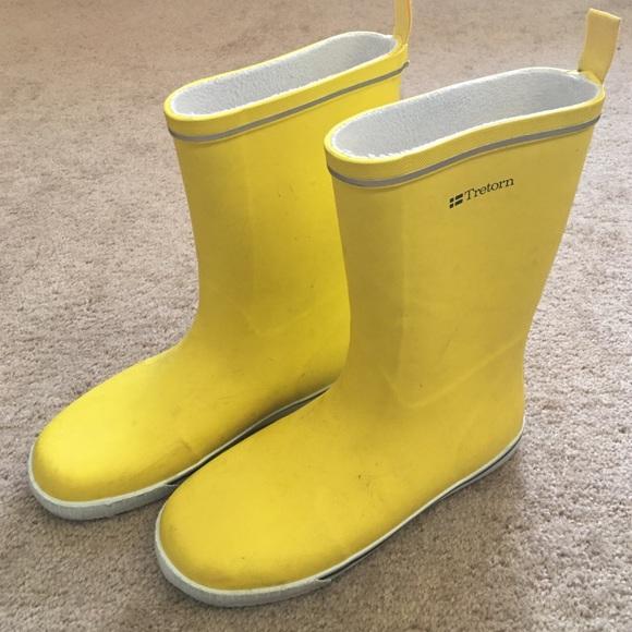 Tretorn Shoes | Yellow Rain Boots | Poshma