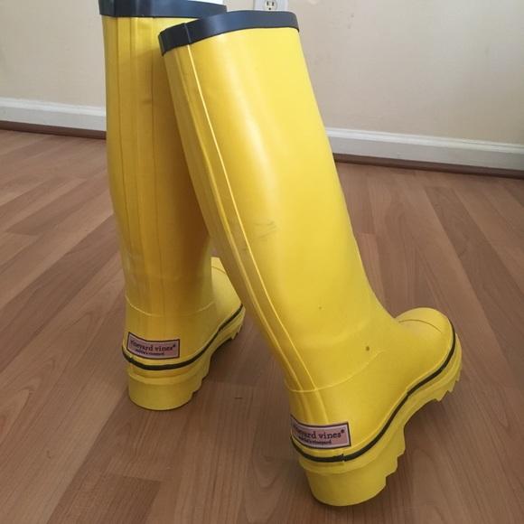 Vineyard Vines Shoes | Yellow Rain Boots | Poshma